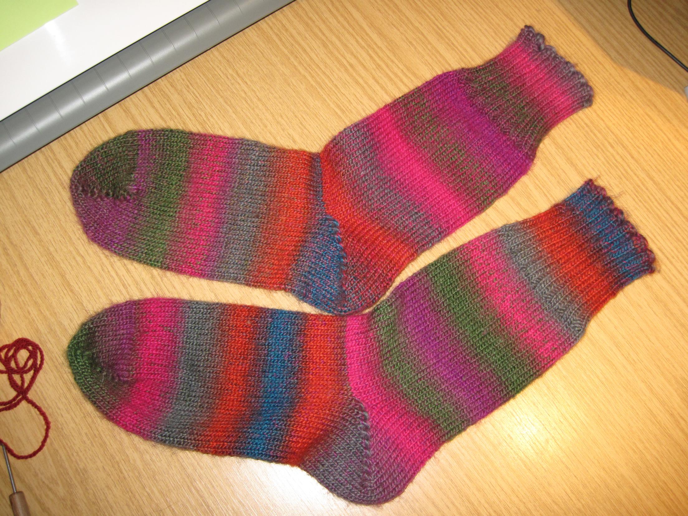 Knit Kitchener Stitch To Finish A Sock : toe up sock Lizzie Mayne